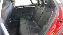 Tesla Model S 70D Rücksitzbank