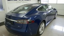 Tesla Model S 90D - Außenansicht RH