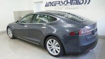 Tesla Model S 85 - Außenansicht LH