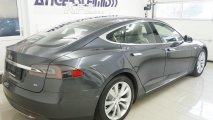 Tesla Model S 85 - Außenansicht rechte Seite