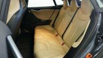 Tesla Model S 85 - Rücksitze