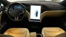 Tesla Model S 85 - Innenansicht Cockpit