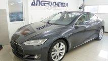 Tesla Model S 85 - Außenansicht LV